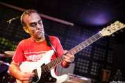 Alfredo Romero, guitarrista  de The Longboards (Biribay Jazz Club, Logroño, 2011)