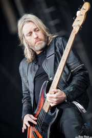 Chris Wyse, bajista de The Cult (Azkena Rock Festival, Vitoria-Gasteiz, 2011)
