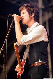 Rober!, cantante, guitarrista y teclista de Atom Rhumba (Azkena Rock Festival, Vitoria-Gasteiz, 2011)