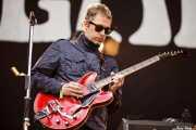 Andy Bell, guitarrista de Beady Eye (Bilbao BBK Live, Bilbao, 2011)