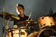 Simon Gilbert, baterista de Suede (Bilbao BBK Live, Bilbao, 2011)