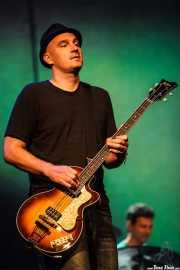 Merlo Podlewski, bajista de Jack Johnson, Bilbao BBK Live, 2011