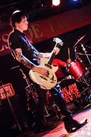 Gavin Jay, bajista de The Jim Jones Revue (The Horseshoe Tavern, Toronto, 2011)