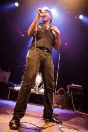 JC Brooks, cantante de JC Brooks and The Uptown Sound, Kafe Antzokia, 2011