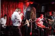 Greg Hommert -armónica-, David Supica -bajo-, Ben Azzi -batería-, Ben Ringel -voz y guitarra- y Dylan Fitch -guitarra- de The Delta Saints, El Balcón de la Lola, Bilbao. 2011