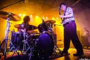 Dexter Romweber -voz y guitarra- y Sara Romweber -batería- de Dexter Romweber Duo (Barreiro Rocks, Barreiro, 2011)