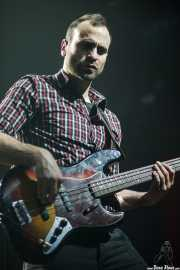 Lander Moya, bajista de Sonic Trash, Kafe Antzokia, Bilbao. 2012