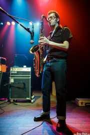 Guillermo García, saxofonista invitado de Sonic Trash, Kafe Antzokia, Bilbao. 2012