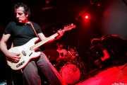 Paco Luis Martos -washtub bass, bajista y guitarrista-m Carlos Jimena -baterista- y Pedro de Dios Barcelo, -guitarrista y cantante- de Guadalupe Plata (30/03/2012)