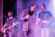 Raúl Rodríguez -bajo-, Ibon Rodríguez -ukelele, percusión y voz- y Edu Guzmán -batería- de Manett, Bizkaia Aretoa - UPV/EHU, Bilbao. 2012