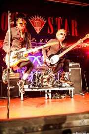 """Michael """"Olga"""" Algar -cantante y guitarrista- y Tom """"Tommy Goober"""" Blyth -bajista- de The Toy Dolls, Barakaldo. 2012"""