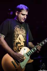 Kike Gaspar, guitarrista de Arenna, Sala Azkena, Bilbao. 2012