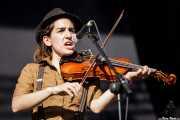 Nerea Alberdi Etxebarría, violinista de Dr. Maha's Miracle Tonic (14/06/2012)