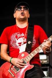 Jools Gizzi, guitarrista de Gun, Azkena Rock Festival, 2012