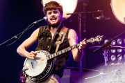 Winston Marshall, cantante, guitarrista y banjista de Mumford & Sons, Bilbao BBK Live, Bilbao. 2012