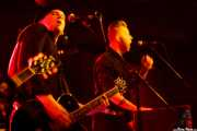 "Daniel Flamm -guitarra- y Kristian ""The Reverend McGinty"" Rowles -teclados- de The Creepshow (Magnet Club, Berlin, 2012)"