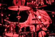Ian Amberson, baterista de Shannon and the Clams (Funtastic Dracula Carnival, Benidorm, 2012)