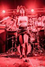 Koko-Jean Davis, cantante de The Excitements, Funtastic Dracula Carnival, 2012