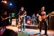 Juanjo Arias -guitarra-, David Hono -voz y guitarra-, Mariana Pérez Abendaño -batería- y Lander Moya -bajo- de Sonic Trash, Teatro Campos, Bilbao. 2012