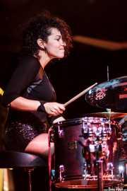 Mariana Pérez Abendaño, baterista de Sonic Trash, Teatro Campos, Bilbao. 2012