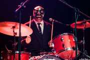 Chris Sprague, baterista de Los Straitjackets & Big Sandy & The Pontani Sisters, Kafe Antzokia, Bilbao. 2012