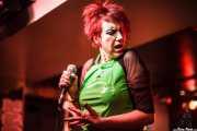 Fay Fife, cantante de The Rezillos (, , 2012)