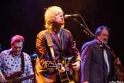 """Pete Briquette -bajo-, Bob Geldof -voz y guitarra- y Vince Lovepump """"Bob Loveday"""" violinista (Sala BBK, Bilbao, 2013)"""