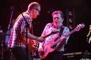 John Turnbull -guiitarra- y Pete Briquette -bajo- de Bob Geldof (Sala BBK, Bilbao, 2013)
