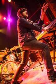 RJ Sinclair, cantante y teclista de Tokyo Sex Destruction (Kafe Antzokia, Bilbao, 2013)