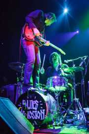 Judah Bauer -guitarra- y Russell Simins -batería- de The Jon Spencer Blues Explosion, Kafe Antzokia, Bilbao. 2013