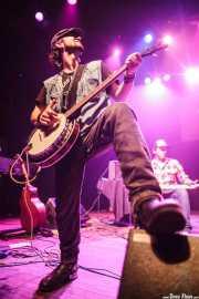 Alain Llopart -guitarrista y banjista- y Jokin Totorika -Lap steel guitar- de Dead Bronco, Kafe Antzokia. 2013