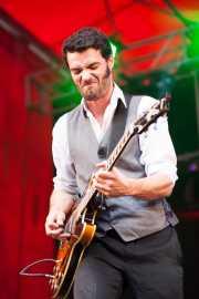 Sylvain Lorens, guitarrista de The Buttshakers, Andoaingo Rock Jaialdia. 2013
