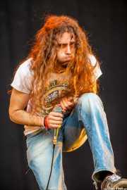 Iñigo L. Agudo, cantante y guitarrista de Quaoar, Vitoria-Gasteiz. 2013
