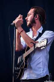 Tom Smith, cantante, guitarrista y teclista de Editors (Bilbao BBK Live, Bilbao, 2013)