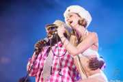 George Clinton y Kim Manning, cantantes de George Clinton's Parliament Funkadelic, Stade Aguiléra. 2013