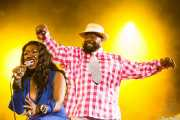 Mary Griffin y George Clinton, cantantes de George Clinton's Parliament Funkadelic, Stade Aguiléra. 2013