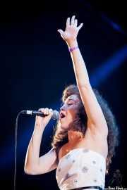 Kendra Foster, cantante de George Clinton's Parliament Funkadelic, Stade Aguiléra. 2013