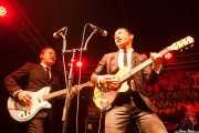 """Dai Ura """"Mr. Gully"""" -voz y bajo-, Kazuya Tosa """"Mr. Lawdy"""" -voz y guitarra- y Takumi Nakamura """"Mr. Mondo"""" -batería- de The Neatbeats (Funtastic Dracula Carnival, Benidorm)"""