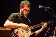 Álvaro Barriuso, guitarrista y banjista de MobyDick, Bilborock, Bilbao. 2013