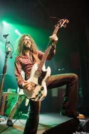 Miguel Moral, bajista y cantante de Highlights, Bilbao. 2014