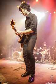 Rober! -voz y guitarra- y Felix Buff -batería- de Hermana Raya, Kafe Antzokia, Bilbao. 2014