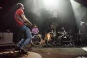 Javi Manterola -guitarra-, Mikel Lertxundi -batería-, Mikel Abrego -batería-, Felix Buff -batería- y Miryam Petralanda -batería- de Hermana Raya, Kafe Antzokia, Bilbao. 2014