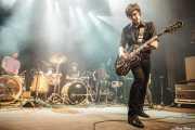 Rober! -voz y guitarra-, Mikel Lertxundi -batería-, Mikel Abrego -batería-, Felix Buff -batería- y Miryam Petralanda -batería- de Hermana Raya, Kafe Antzokia, Bilbao. 2014