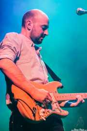 Juan Escribano, guitarrista de We are standard, Kafe Antzokia, Bilbao. 2014
