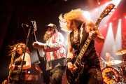 Bonnie Buitrago -bajo-, Blaine Cartwright -voz y guitarra-, Ruyter Suys -guitarra- y Jeremy Thompson -batería- de Nashville Pussy (Kafe Antzokia, Bilbao, 2014)