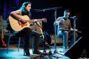 Miren Narbaiza y Ander Mujika, guitarristas y cantantes de Napoka Iria, Bilbao. 2014