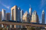 Rascacielos Dubai Marina y Metro 015 Vacaciones Marzo 2014 Emiratos Arabes Unidos Dubai