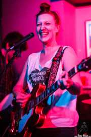 Astrid Dante, cantante y guitarrista de Miss Chain & The Broken Heels, Umore Ona, 2014