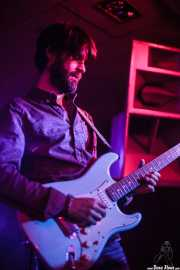 Chus Santos, guitarrista de The Magic Teapot, Santana 27, 2014