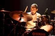 Charly Roblecillo, baterista de Bugatti (Kafe Antzokia, Bilbao, 2014)